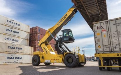 Hyster RS46 ReachStacker wins Safety award at the FLTA 'Archies'